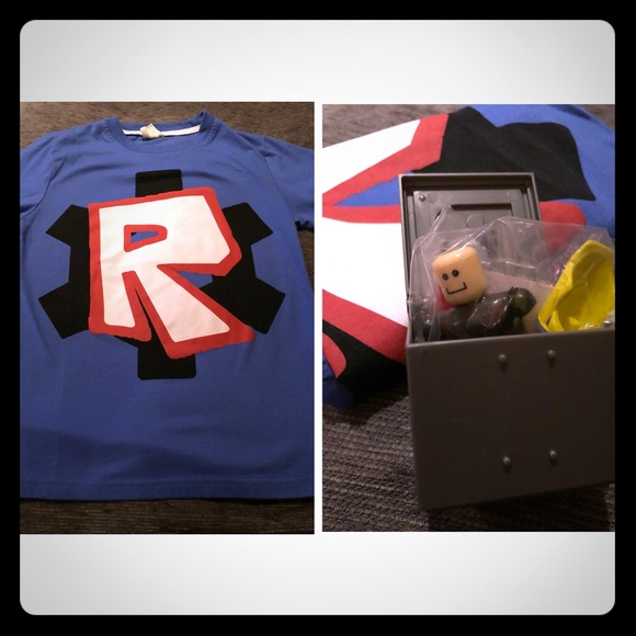 Boys Roblox T-shirt & Roblox Figure